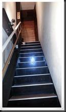 Drago Pizza 2階に上がる階段