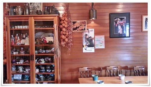 陶器がいっぱい@喫茶 園
