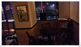 3人掛けカウンター席@CafeDiners LOCO