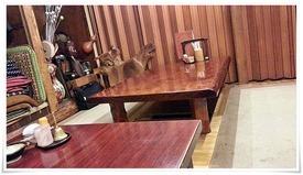 店内奥のテーブル席@居酒屋 仙