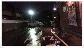 駐車場には数台の車が@すき家八幡枝光店