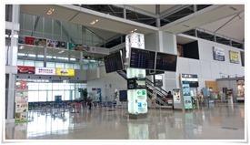 2階のエスカレータ@北九州空港