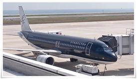 黒い機体のスターフライヤー@北九州空港