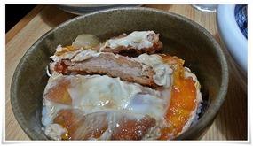 ミニ丼(かつ丼)のカツ@うどん満月