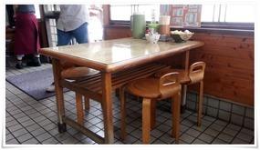テーブル席@天平うどん