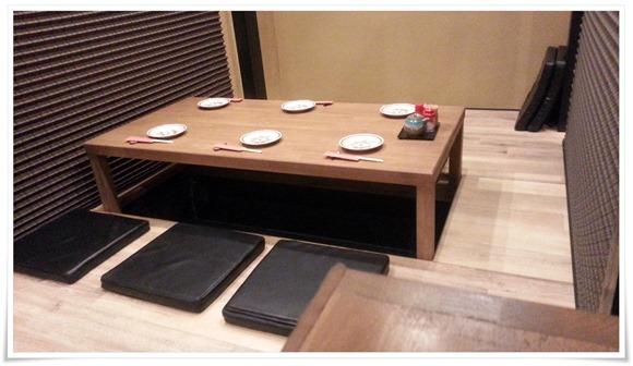 掘り炬燵式テーブル席@西本町 くわんかや