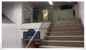 階段を登ります@立呑処 三四郎
