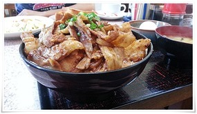 テンコ盛りの豚丼@まんなおし食堂