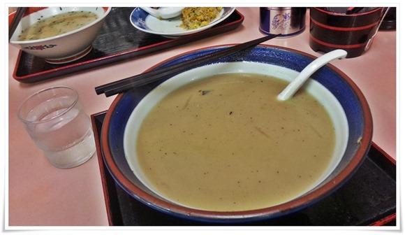 スープもタップリ@味八(あじはち)