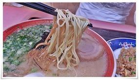 ラーメンは細麺@味八(あじはち)
