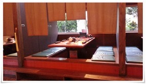 小上がりのテーブル席@焼肉 萬月(まんげつ)