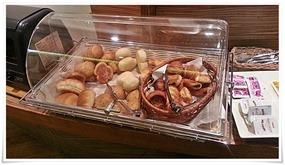 朝食バイキングのパン@カフェ・ド・ナチュレ
