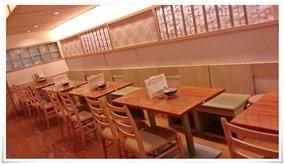 4人掛けテーブル席@因幡うどん