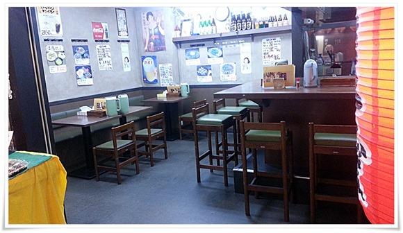 テーブル席@優乃華のやきそば屋