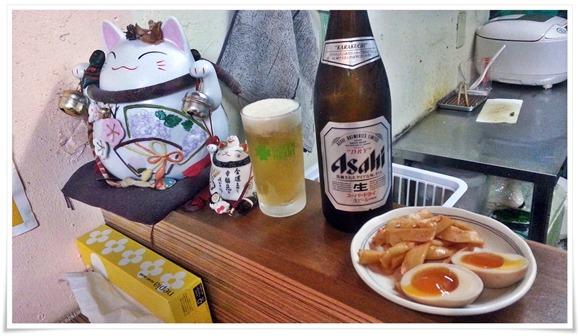 招き猫と乾杯@ラーメン天晴(あっぱれ)