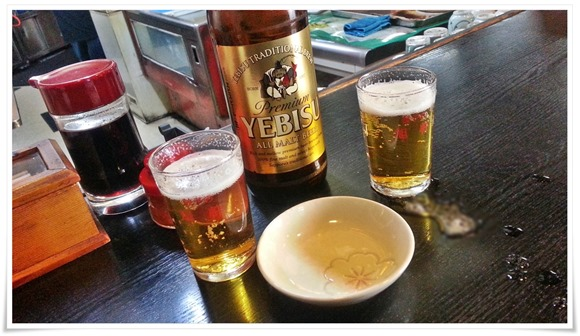 瓶ビールで乾杯@餃子の店 旭軒 駅前本店