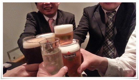 ビールで乾杯?@Gargoyle(ガルグイユ)