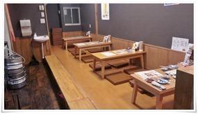 座敷のテーブル席@黒崎食堂ねころく