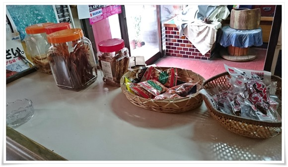 駄菓子の数々@平島酒店