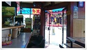 店内から入口を望む@錦龍(きんりゅう)