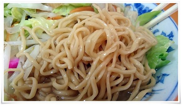 麺は蒸し麺@桃園(とうえん)