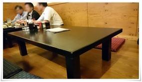 テーブル席@宮崎名物 地鶏もも焼 翔