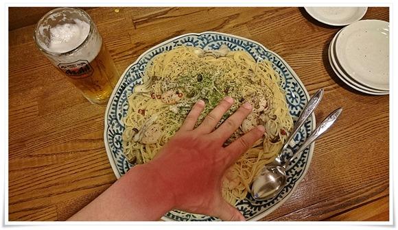 巨大な皿で登場@隠れ家ダイニングTOMMY