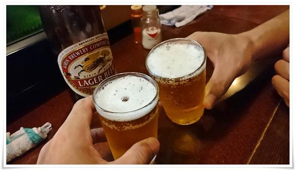瓶ビールで乾杯@焼鳥とんとん