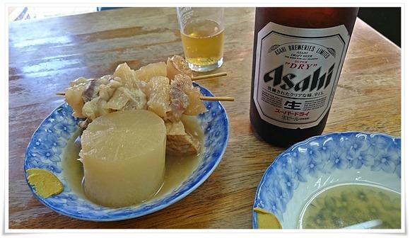 まずはおでんで乾杯@敏ちゃん食堂