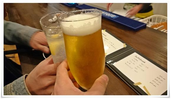 生ビールで乾杯@APPARTMENT401