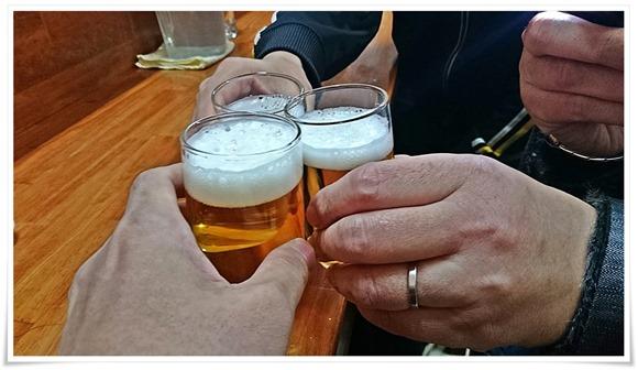 瓶ビールで乾杯@チャンポン屋しげみ
