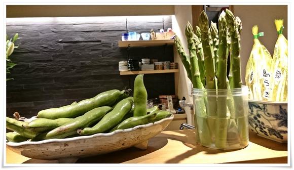 巨大な空豆&アスパラ@ぼっか
