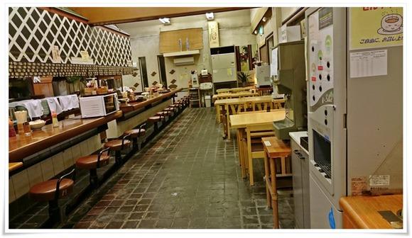 中央に電子レンジ@かかしうどん本店