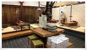 座敷のテーブル席@かかしうどん本店