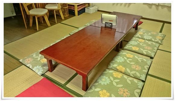 二階テーブル席@餃子の味味(みみ)
