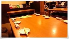 テーブル席@隠れ家ダイニング TOMMY