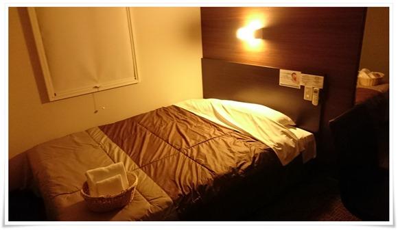 朝になっても室内真っ暗@スーパーホテル大分・中津駅前
