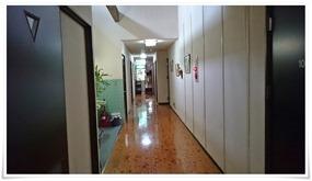 板張りの廊下@やまと旅館