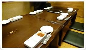座敷テーブル席@炭火焼肉 八輪(はちりん)