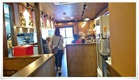 厨房&カウンター席方面@二代目とも屋 門司店