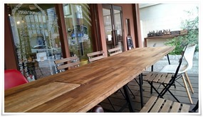 木のテーブル完備@ココカラキッチン
