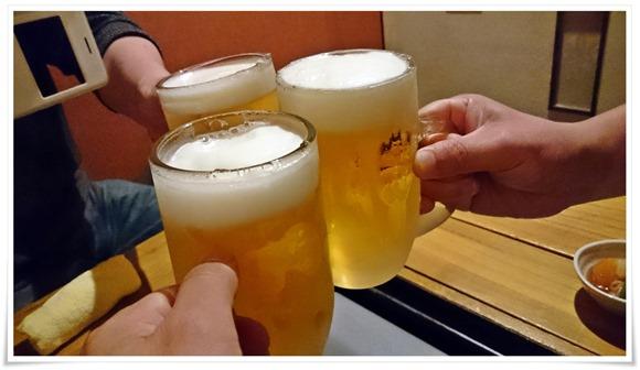 生ビールで乾杯@もつ処 くろかわ