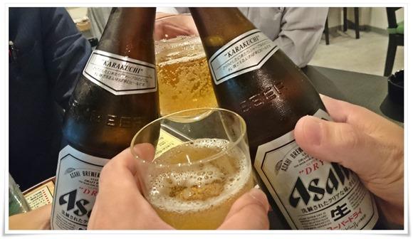 瓶ビールで乾杯@麺バル クオーゼ