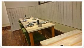 テーブル席入口側@K-neerg(ニーグ)