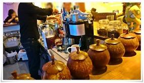 カウンター席@Cafe&BAR HOBBIT