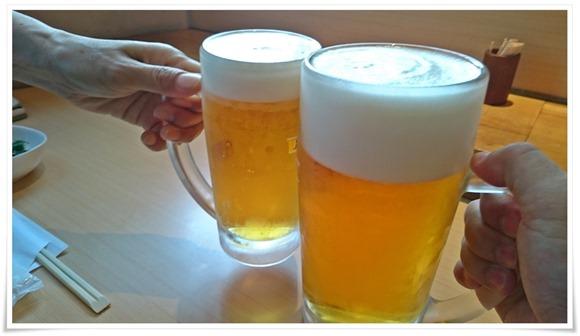 生ビールで乾杯@鮨屋台 握り屋