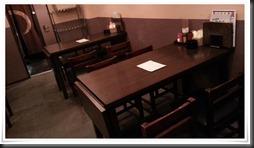 テーブル席@とり八 八幡駅前本店