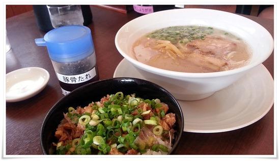 豚骨ラーメン+ミニチャーシュー丼