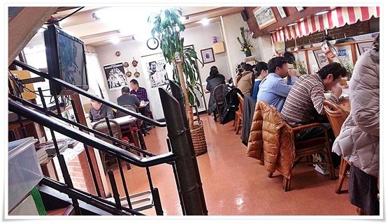 1階の客席@おぐら本店