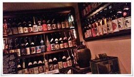 店内壁面のボトル@焼酎 酒々蔵
